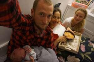Pierwszy posiłek po porodzie smakuje wyśmienicie